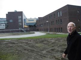 Ziekenhuis Meander met architect Hans van Beek.  Foto Koos Dijksterhuis